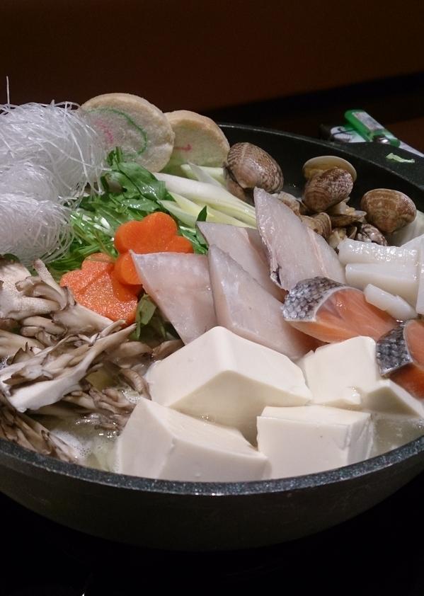 さくら水産の新メニュー、海鮮寄せ鍋ゆず塩風味530円